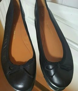 Gap Flats with bow accent sz 8.5